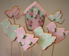 Bird & birdhouse #cookies. Pink and green and so sweet.