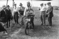 22-07-1923, Montargis, Grand Prix de France, Vuilliamy sur Velocette, 1er des motos 250 cc | Photographie de presse : Agence Rol