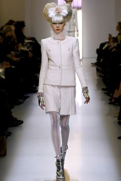 Chanel Spring 2010 Couture - Collection - Gallery - Style.com