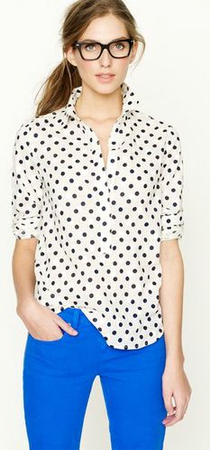 Polka dots & bright blue pant, so cute! But Cameron would laugh if I ever tried to wear blue pants like that