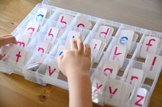 Selecting A Movable Alphabet - when the child asks how to spell something you can work it out together instead of just telling him Head Start Preschool, Alphabet Print, Printable Alphabet, Sounding Out Words, Reading At Home, Holiday Break, Montessori Materials, Science For Kids, Learn To Read