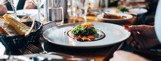 1 Français sur 2 préfère déjeuner avec ses collègues plutôt qu'en famille (8%) 80% des Français mangent trop vite le midi Pas plus de 5€ par déjeuner pour 63% Qapa.fr, 1er site d'emploi basé sur le «matching», a voulu connaître les habitudes des Français et leurs préférences concernant les repas