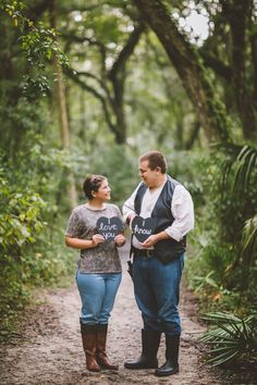 Veronica + Kevin's Star Wars Themed Engagement - When Geeks Wed Wedding Star Wars, Geek Wedding, Wedding Ideas, Galaxy Wedding, Wedding Planning, Wedding Pictures, Wedding Stuff, Dream Wedding, Fall Engagement