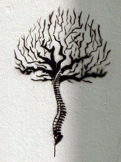 Scoliosis snake! Take out the tree and just have a spinal snake with a crook in the right place of my spine.......... Could be awesome