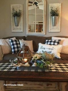 33 Wonderful Elegant Modern Farmhouse Living Room Decor Ideas And Makeover. If you are looking for Elegant Modern Farmhouse Living Room Decor Ideas And Makeover, You come to the right place. Country Farmhouse Decor, Rustic Decor, Modern Farmhouse, Farmhouse Style, Farmhouse Design, Farmhouse Ideas, Country Style, Rustic Style, French Country
