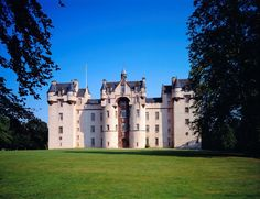 Discover 19 of Aberdeenshire's most famous and dramatic castles on our itinerary around Scotland's only dedicated Castle Trail. Scotland Places To Visit, Places To See, Scotland Castles, Scottish Castles, Inverness, Whisky, Beautiful World, Beautiful Places, Aberdeenshire Scotland