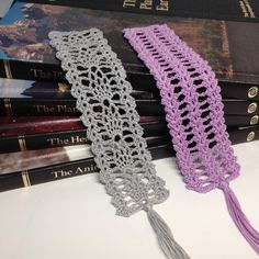 33 Crochet Bookmarks - The Funky Stitch Easy Crochet Bookmarks, Crochet Bookmark Pattern, Crochet Cross, Thread Crochet, Crochet Motif, Crochet Designs, Crochet Lace, Crochet Stitches, Tatting Tutorial