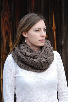 Made something similar on a knit loom but I want to try this one too.