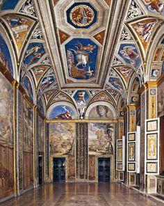 VILLA FARNESINA - frescoes by Raphael, Giulio Romano and Sebastiano del Piombo ca. 1510-15 architect Peruzzi and possibly Giuliano da Sangallo