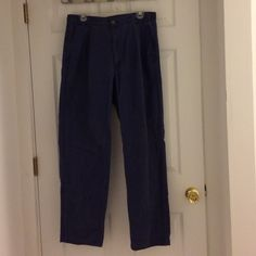 Men's Blue Dockers Pants 32/32 Men's blue Dockers pants in size 32/32. A little more casual than some of the other men's pants I listed. I was telling my dad how I was trying to clean out my closet and he asked for some help with his own. They could definitely use some help from an iron but are otherwise in great shape. Questions? Please ask. Thanks so much for stopping by and please check out the rest of my closet. Dockers Pants