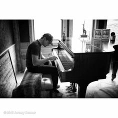 Jeremy Renner at the piano