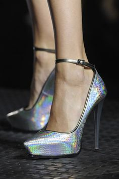iridescent pointy-toed platform pumps from lanvin s/s 13 Lanvin, Crazy Shoes, Me Too Shoes, Shoe Boots, Shoes Heels, Stiletto Heels, Mode Shoes, Beautiful Shoes, Girls Shoes