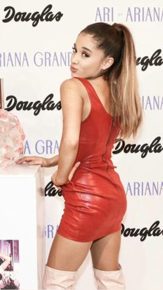 Ari by Ariana grande red leather minidress and pink thigh boots Ariana Grande Age, Ariana Grande Fotos, Ariana Grande Disney, Ariana Grande Ponytail, Ariana Grande Pictures, Divas, Charlotte, Hollywood, Dangerous Woman