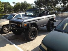 Not a jeep but Ford Bronco Diesel Trucks, Custom Trucks, Cool Trucks, Pickup Trucks, Cool Cars, Lifted Trucks, Classic Bronco, Classic Ford Broncos, Classic Trucks