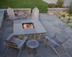 Andrew said he would build me a fire pit.  I wonder if he'd build me this one!