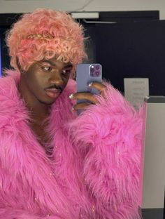 Girl Fashion, Fur Coat, Male Artists, Singers, Music, Room, Hipster Stuff, Women's Work Fashion, Musica