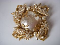 Gorgeous Miriam Haskell vintage brooch                                                                                                                                                                                 More