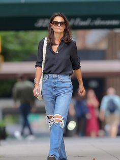 Katie Holmes, Black Satin Shirt, Celebrity Style Casual, Celeb Style, Celebrity Jeans, Celebrity Closets, Celebrity Outfits, Looks Style, My Style