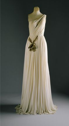 Evening Gown by Madame Grès, 1954, move the sash and it would be perfect