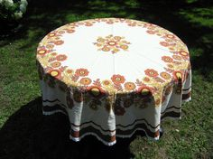Large Round Tablecloth Retro 1960s 1970s Floral by RetroBerlin