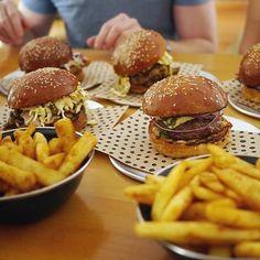 Burgers for dayz! #churburger #churburgerbrisbane #burgers #brisbanefood #brisbaneeats #brisbaneanyday #brisbaneburgers #brisbaneburgers #burgerporn #foodporn #foodpornshare #eatfamous #eat #beast #hamburger #burgerlover #burgerbar #foodpornography #cheatday #cheatmeal #foodgasm #discoveraustralia #visitbrisbane # by churburgerbrisbane