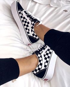 Simple Tips and Tricks  Shoes Tenis Urban Outfitters shoes sneakers nike. eded123f3