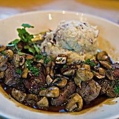 Cheesecake Factory Steak Diane Recipe - - This recipe takes normal steaks to a whole new level of decadence! Make this copycat recipe for Cheesecake Factory Steak Diane in the comfort of your home. The Cheesecake Factory, Cheesecake Factory Steak Medallions Recipe, Steak Diane Recipe, Steak Recipes, Cooking Recipes, Chicken Recipes, Tapas, Beef Tenderloin, Le Diner