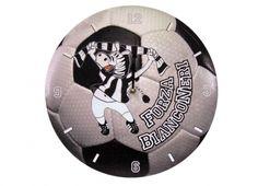 TIF8 OROLOGIO PALLA LEGNO BIANCO/NERI. Orologio da parete in legno con disegnato sullo sfondo un pallone da calcio e zebra Forza Bianconeri color bianco nero