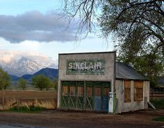 We love seeing all the NEW and OLD station photos!         http://sinclairmemories.com/: