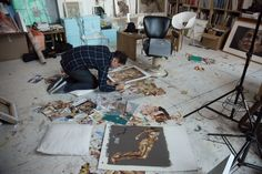Jonathan Yeo in the studio. Photo Amelia Power, from The Many Faces of Jonathan Yeo, published by Art / Books