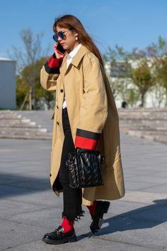Daily Street Style, Street Style Looks, Street Style Women, Shanghai, Beige Trench Coat, Vogue, Fashion Week 2018, Trends, York