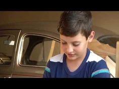 TV UP / UP NOTÍCIAS - Menino de 10 anos economiza dinheiro e compra seu primeiro carro (03/09/2014) - YouTube