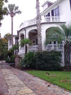 This really captures our south to me~Charleston charm~Conchetta