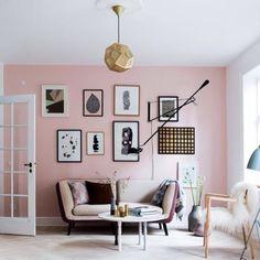 Tatlı bir pembeyle salonunuzu renklendirin. #marieclairemaison #marieclairemaisontr #house #home #trend #deco #decor #decoration #color #ideas #design #interior #interiordesign #furniture #furnituredesign #inspiration #apartment #style #space #art #stylish #arrangement #cool #bestoftheday #pictureoftheday