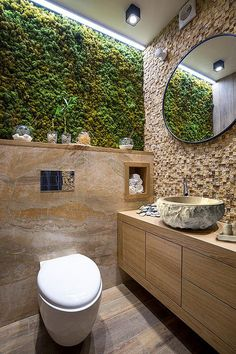 Интертер ванной комнаты . Раковина из мрамора .