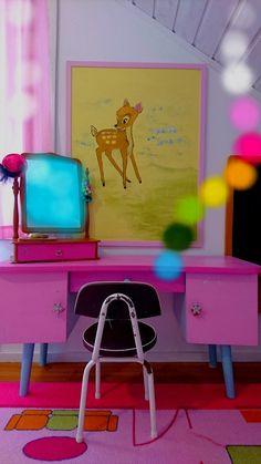 Värikäs sisustusblogi:sisustus,kierrätys,maalit,maalaus,vanhat tavarat,lastenhuoneet,leikit