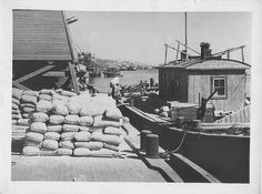 Loading Volga barges with flour (August, 1932)