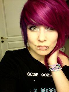Pretty magenta / fuchsia pink hair, but a few too many lip piercings. HOW DO YOU EAT?!?