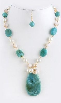 Turquoise Stone and Pearl Necklace and Earrings by colleen