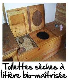 Exemple de toilettes sèches à litière bio-maîtrisée. On voit le bac pour stocker la cellulose végétale, et la lunette habituelle ! Libre à vous de construire votre style !