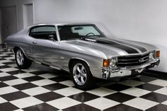 1972 Chevrolet Chevelle Silver 8 Cylinder I love this car more :) Chevrolet Chevelle, 1972 Chevelle, Chevy Ss, Chevy Camaro, Hot Rods, Chevy Muscle Cars, Pony Car, Sweet Cars, Us Cars