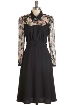 Cheery Cordial Dress in Long Sleeves - Black. Youre mixing black cherry-based cocktails for your fte tonight, so this noir frock is a natural choice to slip on! 1940s Dresses, Cute Dresses, Vintage Dresses, Beautiful Dresses, Vintage Outfits, Dresses For Work, Vintage Clothing, 1930s Fashion, Look Fashion