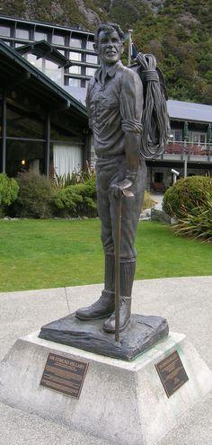 Statue of Sir Edmund Hillary at Mount Cook Village - NZ