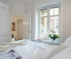 In the heart of Linnéstaden, Sweden is this stylish apartment full of inspirational design. The home features 807 square feet square meters) of living space with a living room with high ceilings, large communal Colorful Apartment, Apartment Bedroom Decor, Stylish Apartment, Home, Bedroom Decorating Tips, Small Apartment Bedrooms, Bedroom Design, Home Decor, Small Apartments
