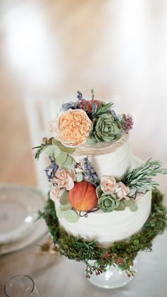 Peach and succulent wedding cake