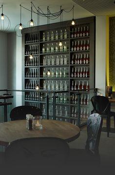 Mojo's, café/restaurant/club  Waagplein