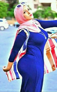 Arab Girls Hijab, Girl Hijab, Muslim Girls, Beautiful Muslim Women, Beautiful Hijab, Beautiful Dresses, Beautiful Blonde Girl, Beautiful Girl Indian, Muslim Women Fashion