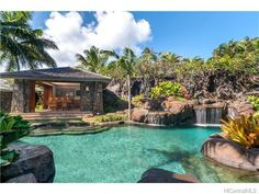 Cabana by the waterfall Luxury Swimming Pools, Luxury Pools, Dream Pools, Swimming Pool Designs, Outdoor Swimming Pool, Indoor Pools, Tropical Pool, Tropical Houses, Tropical Vibes