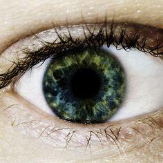 Eye iris photography irises ideas – Famous Last Words Beautiful Blue Eyes, Stunning Eyes, Pretty Eyes, Cool Eyes, Texture Photography, Eye Photography, Heterochromia Eyes, Iris Eye, Beginner Eyeshadow