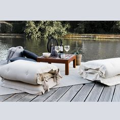 Bring Sit and Sleep OUT™ to your terrace, lawn or any favourite outdoor space. And move it easily around for more sun, more shadow, more lee, more fun. More life. Outdoor Lounge Furniture, Garden Furniture, Look At The Sky, Grey And Beige, Outdoor Spaces, Mattress, Sleep, Throw Pillows, Chair